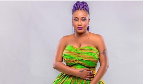 Temitope Osoba, Nollywood actress has called on the Nigerian government to help actors and make sure they are paid well.
