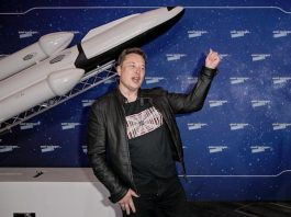 Elon Musk Has Booked A Trip To Space With Virgin Galactic - Ravzgadget