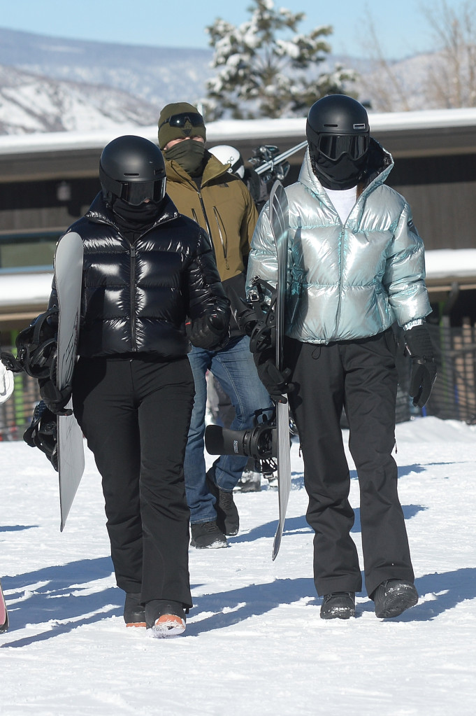 Kendall Jenner Glided On The Slopes In Aspen While Kylie Wiped Out - SurgeZirc US