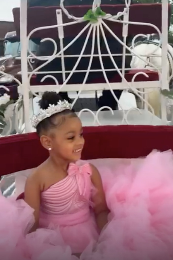 Cardi B Gives Daughter Kulture Diamond Necklace For 3rd Birthday - SurgeZirc US